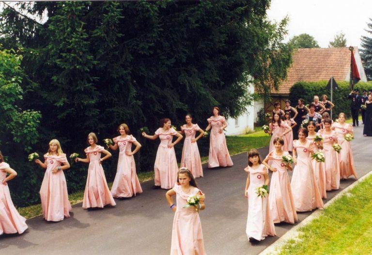 20000723-125-jähriges-Gründungsfest-20000723-Festzug-Festmädchen