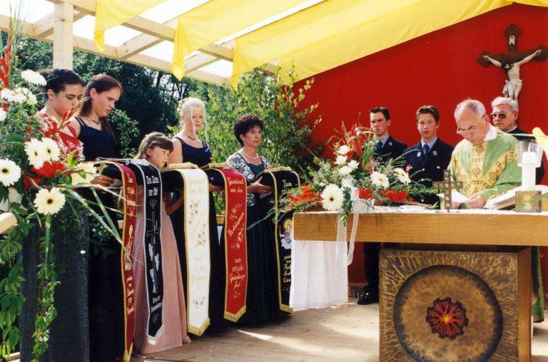 20000723-125-jähriges-Gründungsfest-20000723-Weihe-Festbänder