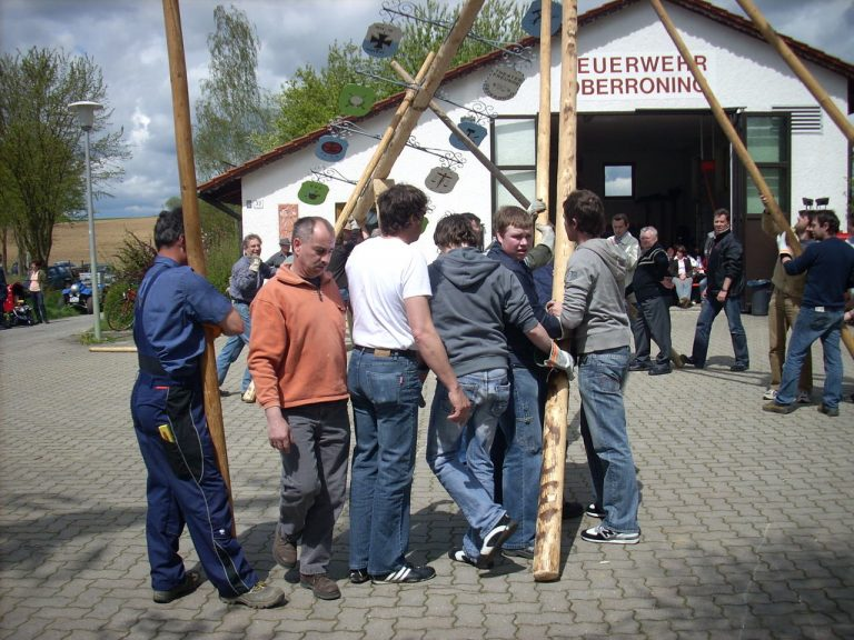20080501-Maibaumfest-02