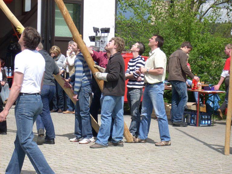20080501-Maibaumfest-03